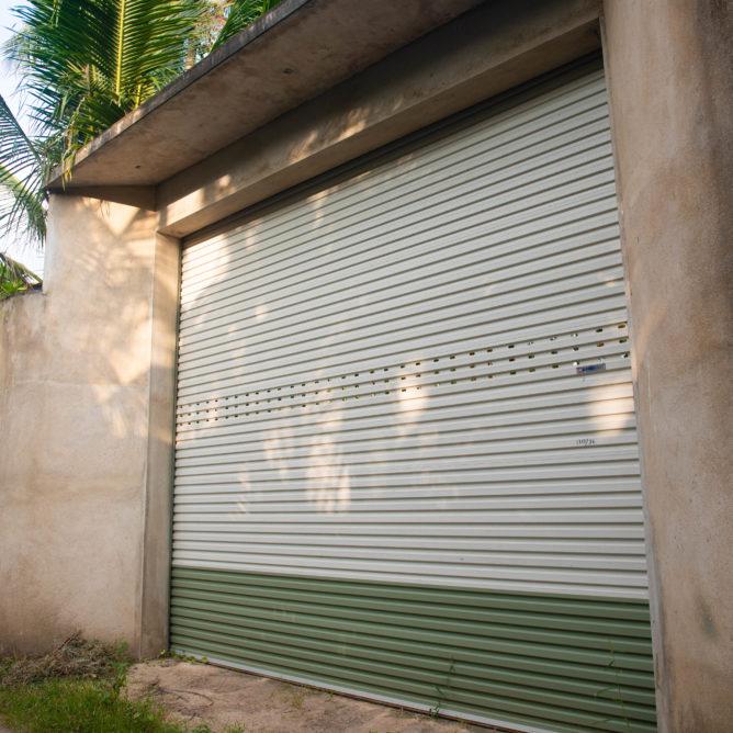 Земля на Шри-Ланке, ворота
