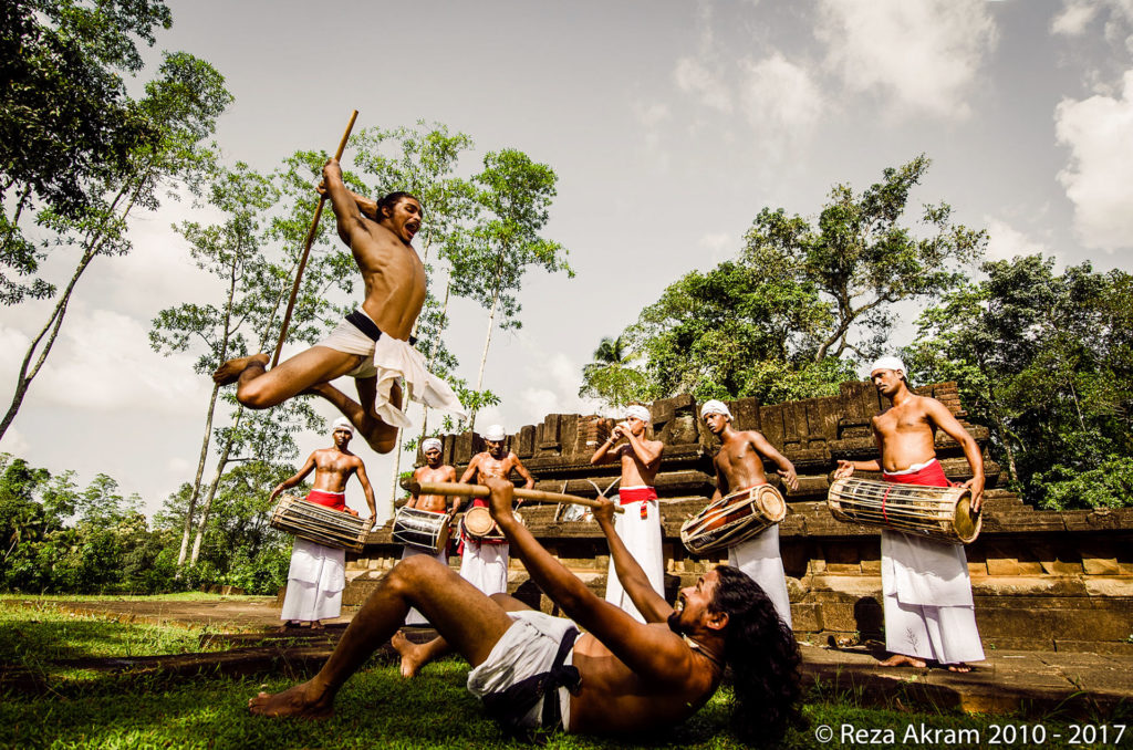 Traditional combat takes place amidst the rhythm of ancient Sinhala war drums. © Reza Akram 2010 - 2017